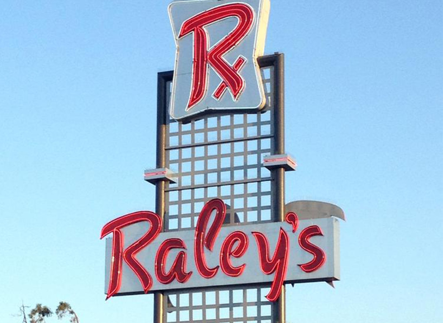 raley's signage